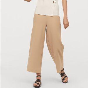 NWOT H&M Beige Culottes cropped pants S